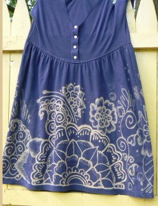 henna dress, floral design, kelly caroline, bleach pen decorating