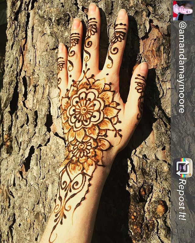 Always happy to see great client pics!! Thanks for the good conversation @amandamaymoore . . Repost from @amandamaymoore - Thanks @henna_by_kelly_caroline for the beautiful henna!! :: #henna #hennas #hennaartist #kellycaroline #michigan #michiganartist #dearborn #dearbornheights #mehndi #mehndidesign #tattoo #tattoos #ink #organic #hennadesign #hennatattoo #hennatattoos #flower #flowers #yoga #yogi #mandala #ypsi #ypsilanti #detroit #birthdayparty #canton