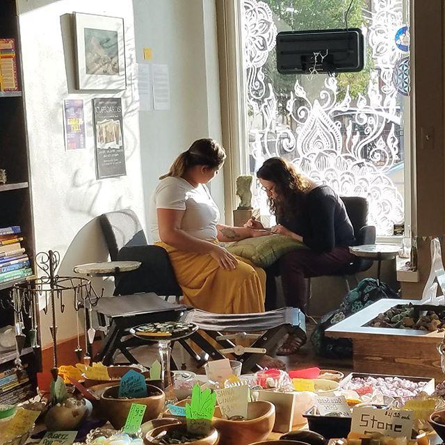 Doing henna in my happy place! The studio at @world_of_rocks_ypsi #henna #hennas #hennamichigan #michiganhenna #ypsi #ypsilanti #michigan #detroit #annarbor #mehndi #yoga #girltattoos #mandala