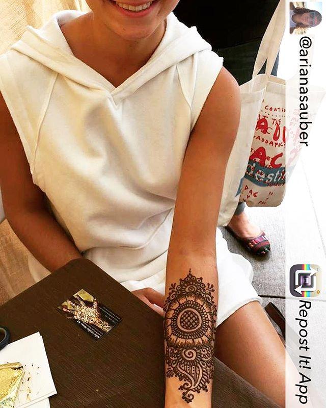 Repost from @arianasauber using @RepostRegramApp - Got some amazing freestyle henna done by @henna_by_kelly_caroline #henna #hennas #diypsi #ypsireal #ypsi #ypsilanti #mehndi #hennamichigan #michigan #detroit #mandala #yoga #yogi #hennatattoo