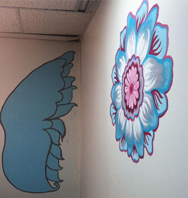 In progress mural work happening in the studio  . . . #henna #hennas #ypsi #ypsilanti #detroit #michigan #michiganartist #kellycaroline #mehndi #mehndidesign #tattoo #murals #tattoodesigns #mural #mandala #zentangle #yoga #yogi #sketch_daily #artstagram #instartlovers #art_spotlight #justartspiration #arts_help #art_worldly #blxckmandalas #zentangle