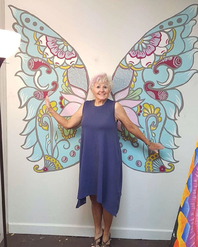 Our first butterfly flew in the studio today ! Mural by @amandamaymoore ! . . #henna #hennas #ypsi #ypsilanti #detroit #michigan #michiganartist #kellycaroline #mehndi #mehndidesign #tattoo #murals #tattoodesigns #mural #mandala #zentangle #yoga #yogi #sketch_daily #artstagram #instartlovers #art_spotlight #justartspiration #arts_help #art_worldly #blxckmandalas #zentangle #butterfly #fairy