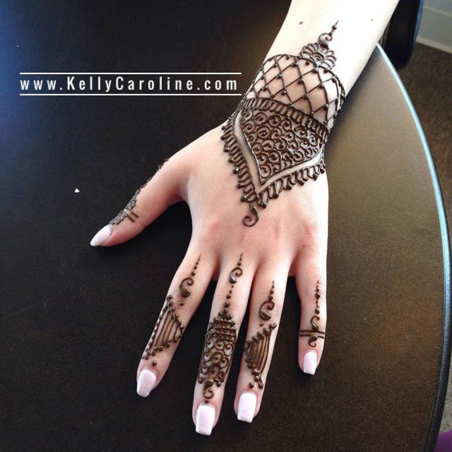 Got to do a henna appointment a few days ago at the new @crema_canton ️. . . Studio appointments to book your summer henna 734-536-1705 kelly@kellycaroline.com . #henna #hennas #hennaartist #hennaparty #kellycaroline #michigan #michiganartist #dearborn #dearbornheights #mehndi #mehndidesign #tattoo #cantonfarmersmarket #ink #organic #hennadesign #hennatattoo #hennatattoos #flower #flowers #yoga #yogi #mandala #ypsi #ypsilanti #detroit #canton