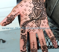 henna_artist_michigan_hand