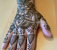 right_hand_henna_lo_copy_0