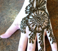 henna_hand_flower_michigan