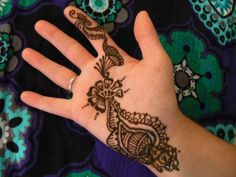 Flower palm henna | Palm henna designs, Henna designs hand ... |Simple Henna Palm Designs