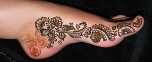 henna foot, henna menhdi, paisley