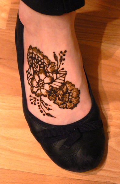 Mehndi Simple Designs For Foot : Foot kelly caroline
