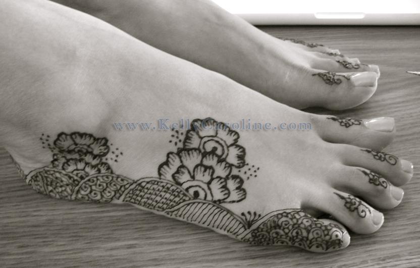 Fatima bridal henna feet