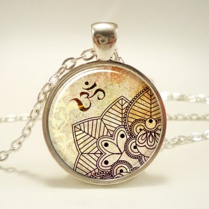 om pendant necklace, henna pendant