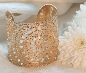 henna wedding, gold cuff, mehndi