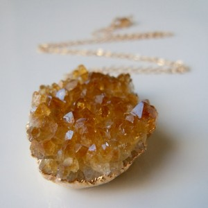 orange, citrine, druzy, pendant, mehndi party, gold chain