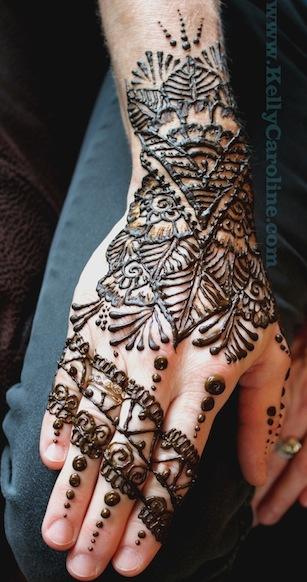 henna glove design