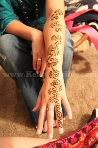 swirly henna tattoo