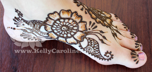 simple henna, foot tattoo, henna tattoo