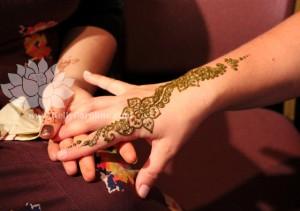 floral henna strip
