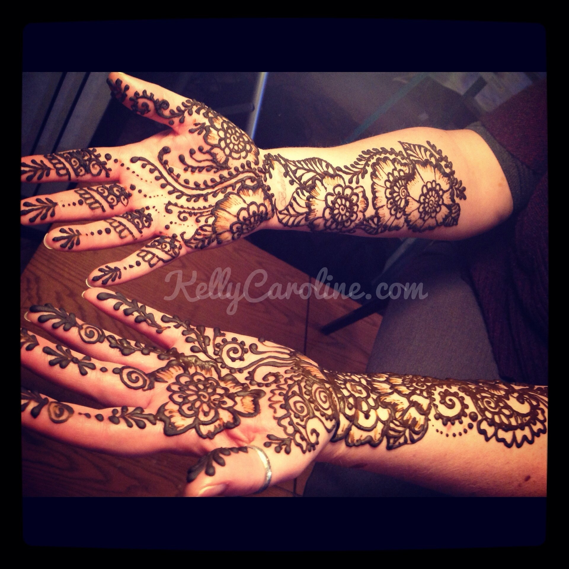Henna demonstration