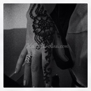Simple henna design, hand henna, party henna