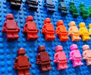 lego minifiure crayons, lego party favors