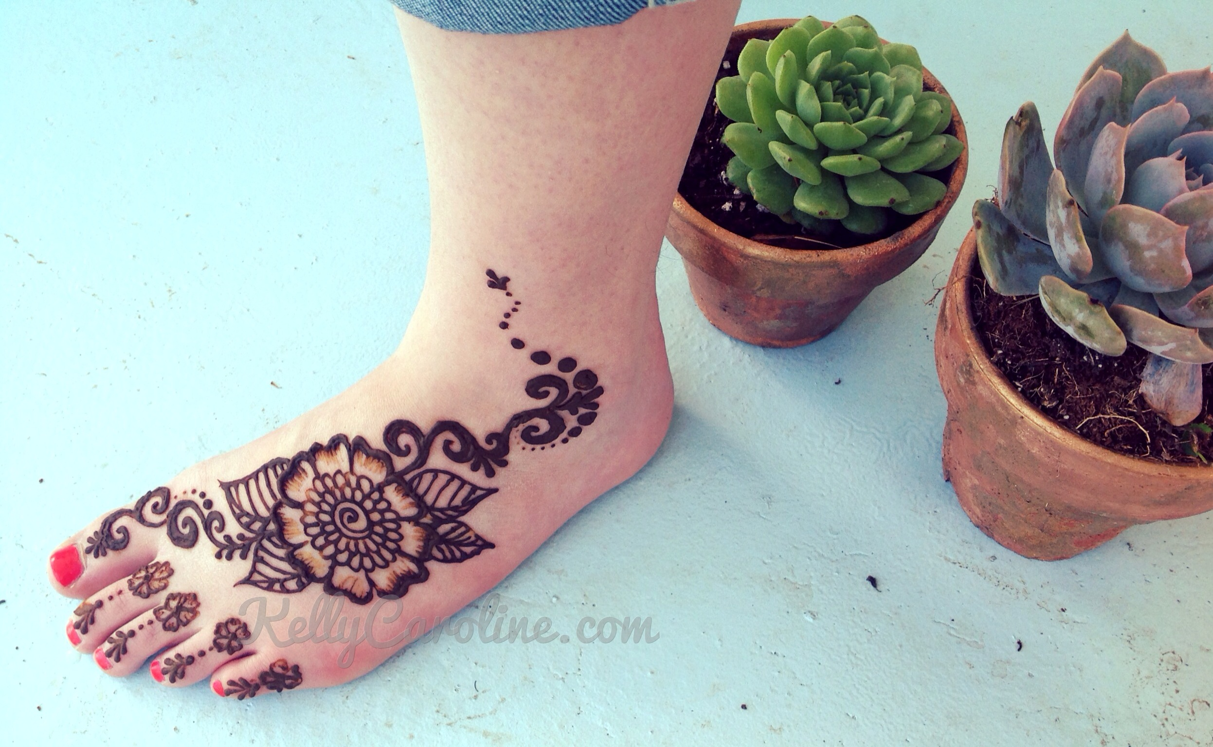 Henna Tattoos On Foot Henna Tattoo Artist