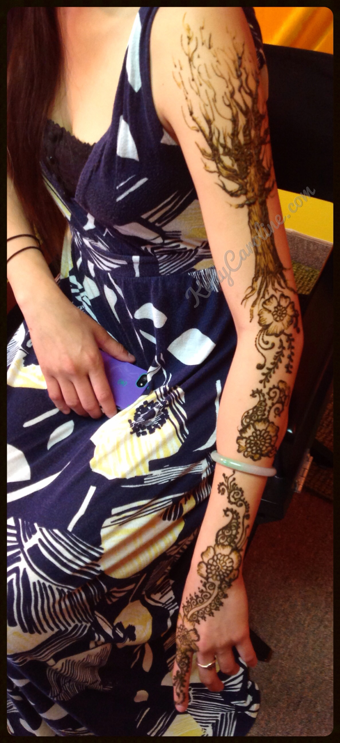 henna tree on arm