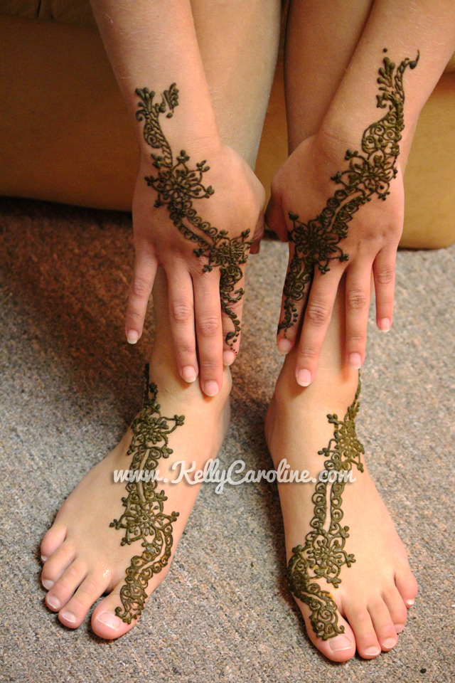henna_on_hands_and_feet