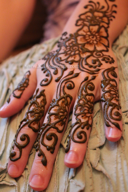 henna, hands, floral patterns, vine, design, mehndi
