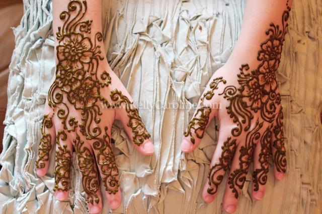 henna_on_hands
