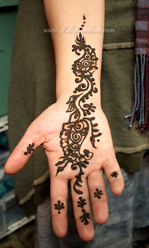 paisley henna tattoo design