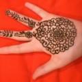 circular henna pattern