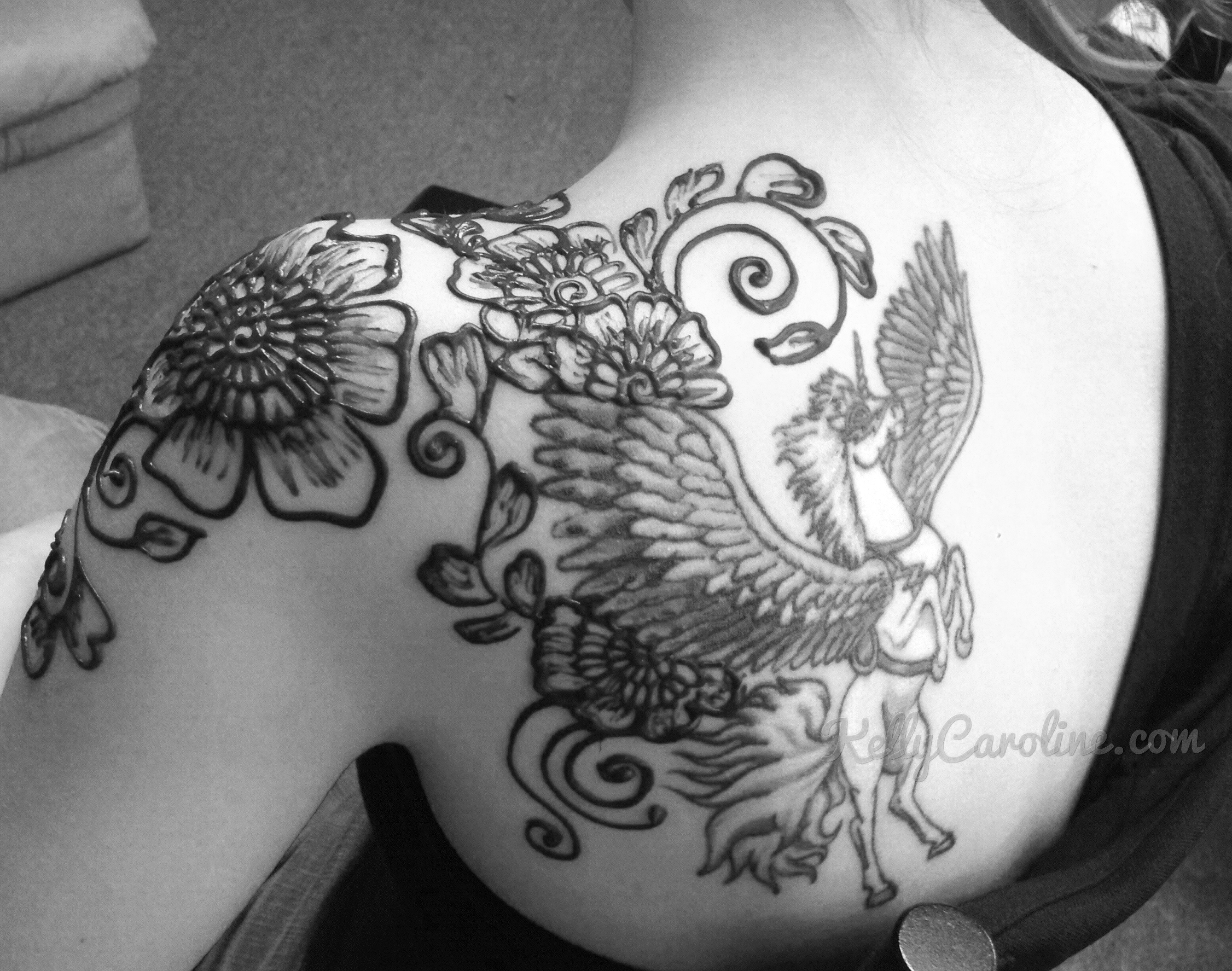 Tattoo henna kelly caroline for Henna tattoo permanent