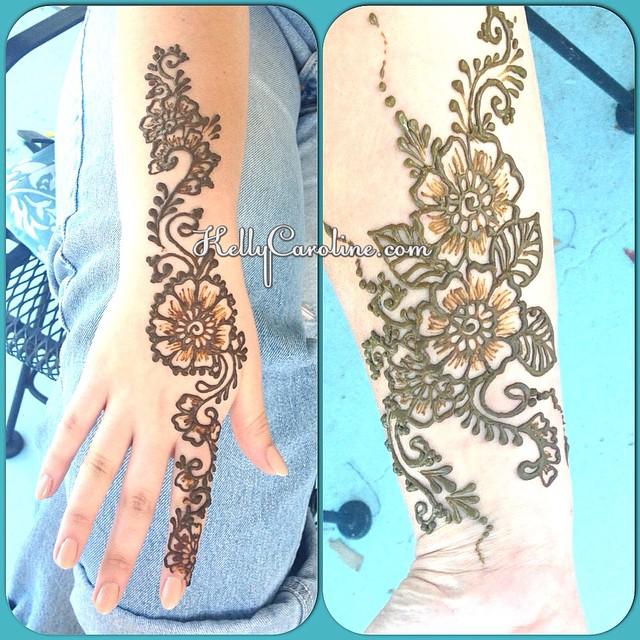 2 Fun ladies from Ann Arbor came  in today for some floral henna tattoos . #henna #mehndi #kellycaroline #michiganhennaartist #ypsilanti #ypsi #organic #hennatattoos #hennaonhand #floral #flowers #tattoos #tattoo #tattoodesign #art #artist #annarbor #puremichigan #design #leaves