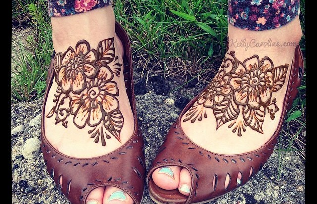 henna tattoos michigan, feet henna tattoos michigan, kelly caroline henna tattoos, henna artist michigan