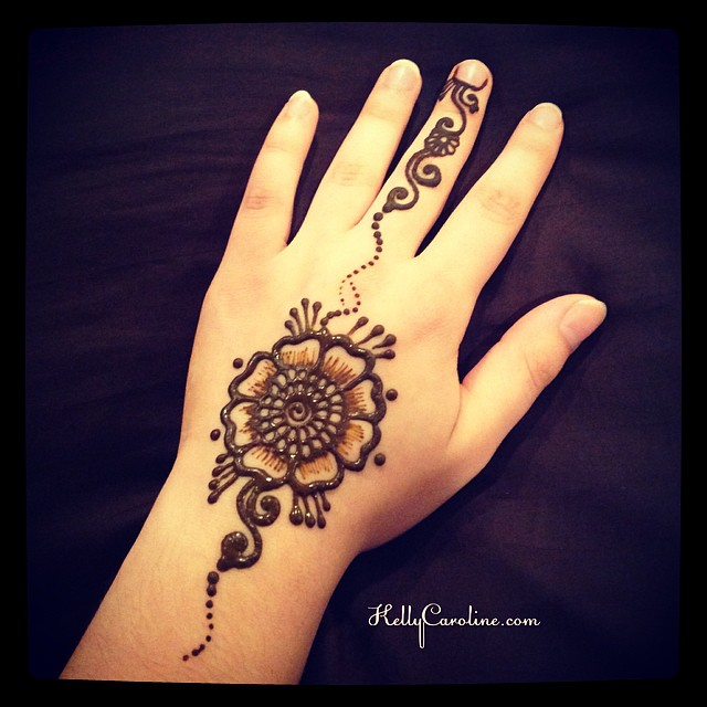 A New Henna Hand Tattoo Design Perfect For A Party Henna Mehndi