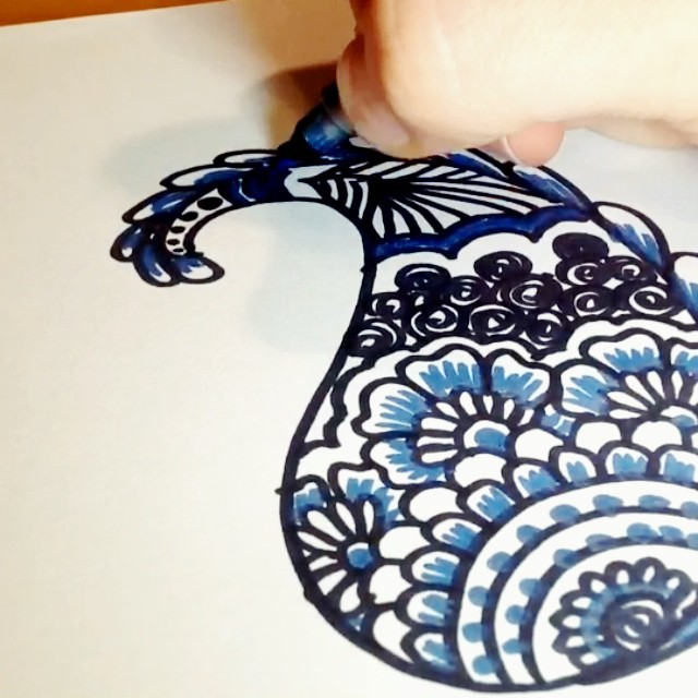 a quick henna paisley design video – just a fun way to practice @hennamichigan