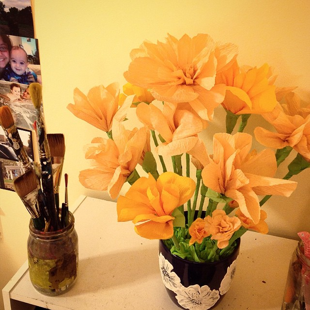 My newest creation - a bouquet of paper flowers! Something so lovely about the fact they won't ever wilt. Added the painting to the vase for a little extra touch. Ya like?  #flower #flowers #painting #vase #bouquet #paper #craft #paperart #art #artist #kellycaroline #orange #pink #pinterest #handmade #design #ypsi #ypsilanti #annarbor #wedding #blooms #spring #peace