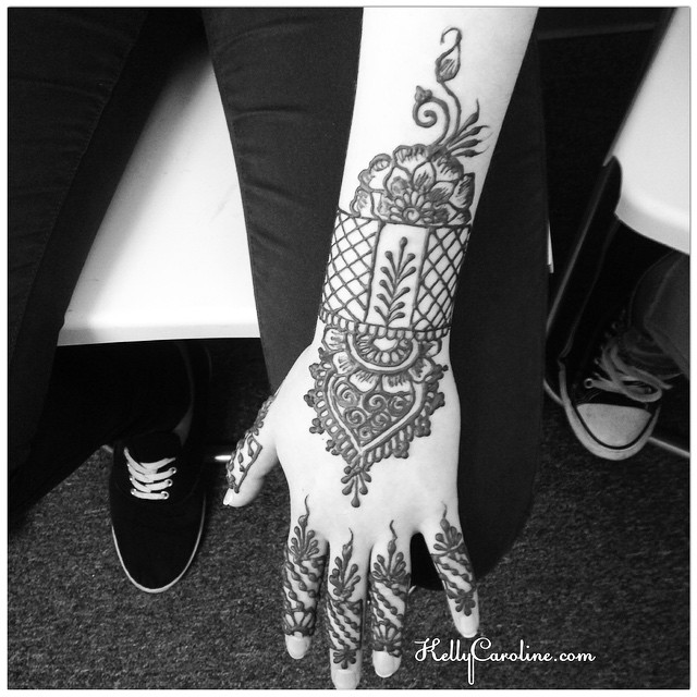 Henna tattoo design with a cuff on the top of the hand from the salon today - great time with these ladies today ! #henna #hennas #hennaart #hennapro #blackandwhite #tattoo #tattoos #tattoodesign #design #designs #art #artist #kellycaroline #hennalife #hennaartist #hennamichigan #michigan #michiganart #cuff #floral #flower #flowers #manicure