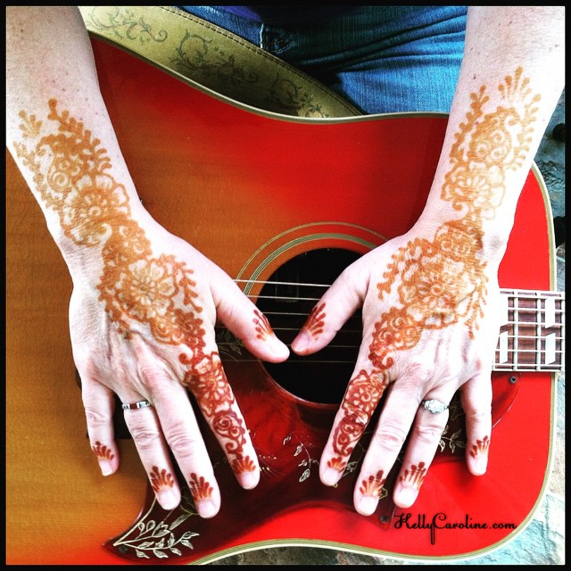 Henna for the very talented Annie Capps for her release party at @annarborark in Ann Arbor #annarbor #theark #annarborark #guitar #henna #hennas #mehndi #stain #hennalife #ink #tattoo #tattoos #design #kellycaroline #michigan #hennaartist #artist #studio #music #musicians #recording #anniecapps #acoustic #folkmusic #folk #art #red #india