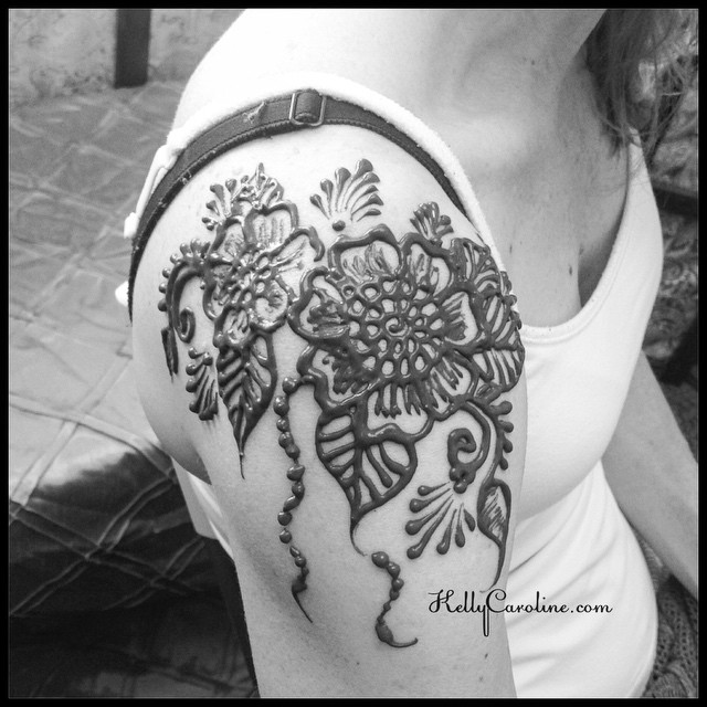 A bold floral henna design for the shoulder done at the studio in Ypsi.