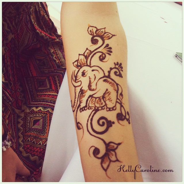 Elephant Henna tattoo for a client yesterday. She found a picture of a henna tattoo with an elephant. Not sure of the original artist but heres my interpretation of it. Enjoy #henna #hennas #mehndi #organic #elephant #elephants #kellycaroline #michigan #michiganart #tattoo #tattoos #red #india #flowers #flower #floral #designs #design #party #nature