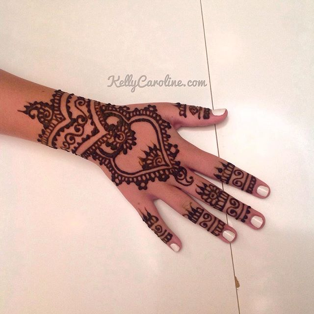 A fun new henna design from the party in Northville. Loving that cuff to a mandala design