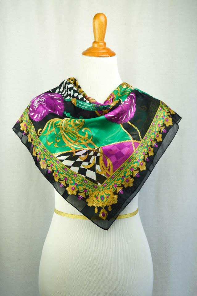Britzy Thrifty Vintage Italian scarf