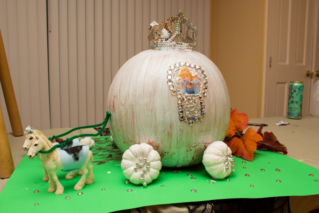 pumpkin painting idea, Cinderella's Carriage pumpkin painting idea