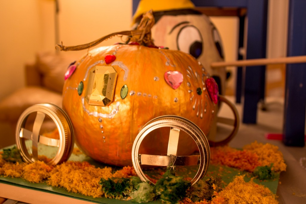 golden pumpkin carriage pumpkin painting ideas