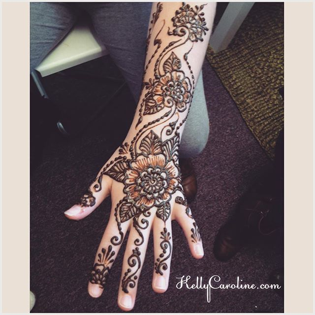 Floral henna tattoo on the hand today at the studio for a birthday party in Ypsilanti.