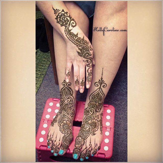 Henna for a bride who is getting married in Jamaica ! Both feet so she doesn't need shoes – how romantic