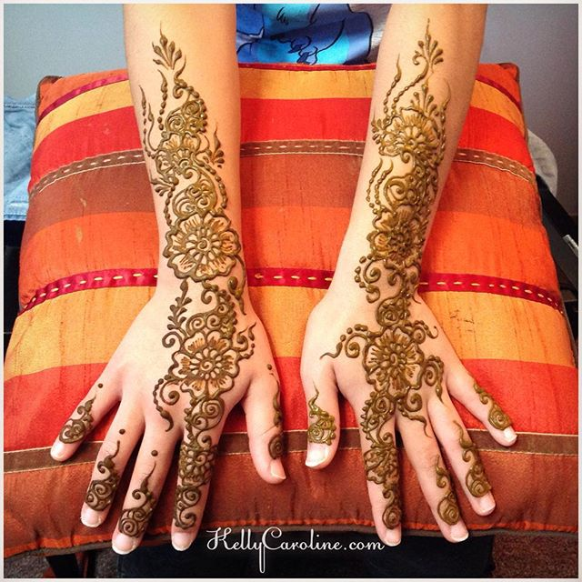 Single hand, close up from today's henna session which was a birthday gift from her aunts- how sweet ️ #henna #hennas #hennaartist #kellycaroline #michigan #michiganartist #dearborn #dearbornheights #mehndi #mehndidesign #tattoo #tattoos #ink #organic #hennadesign #hennatattoo #hennatattoos #flower #flowers #yoga #yogi #mandala #art #artist #ypsi #ypsilanti #detroit