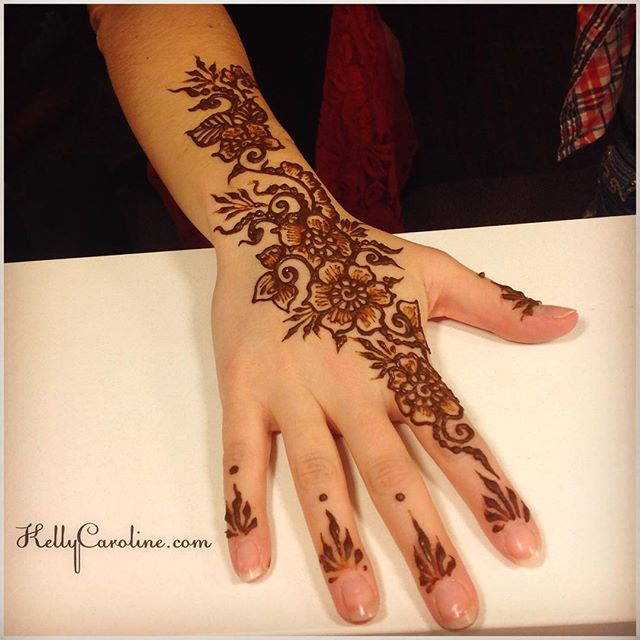 Wedding party henna tonight a fun night in Ann Arbor at the Residence Inn . Here's a single hand, close up from today's henna session