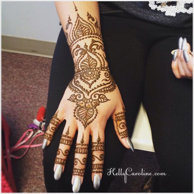 Single hand, close up from today's henna session